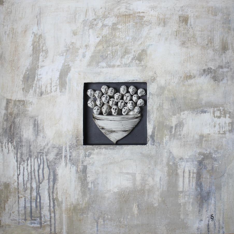 Derive - Drifting, Acrylique sur panneau et ceramique, 24 X 24 po. Sylvie Schueler © 2019